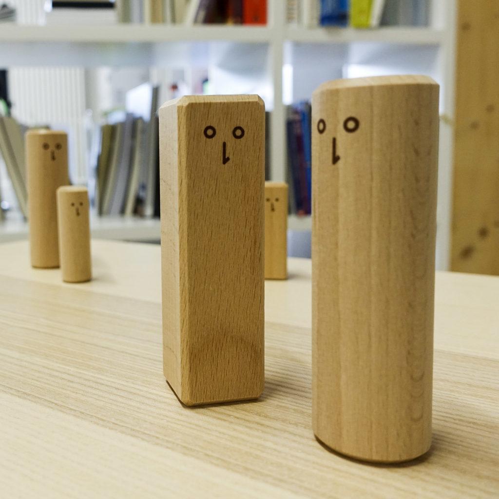 Einfache Holzfiguren